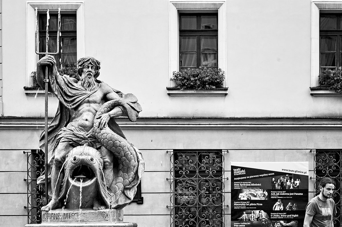 Gliwice - Stare Miasto - fontanna z Neptunem z 1794 roku